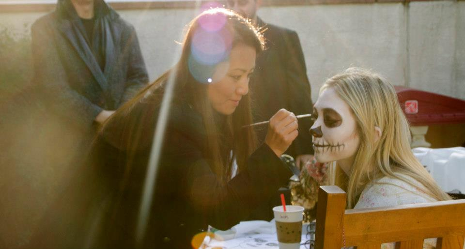 Jeong-Hwa Fonkalsrud applying the lead actresses make-up