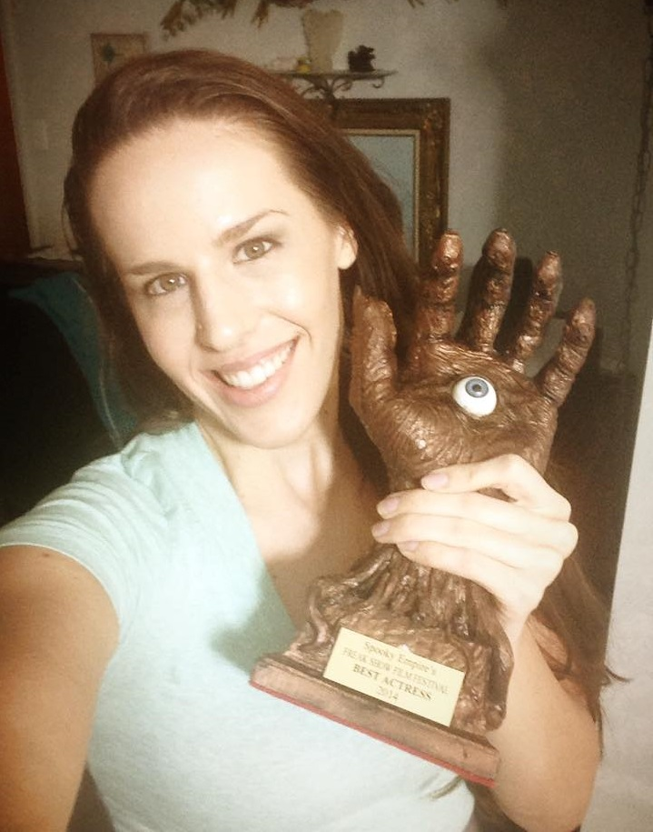 Shannon Scott with her Best Actress Award 03